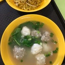 Sotong & Meat Balls Noodles