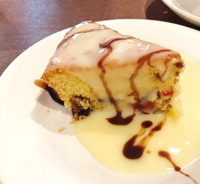 Mixed Fruit Cake With Custard Sauce (Dessert For Christmas Lunch Set, $22.50)