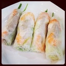 Vietnamese spring roll.