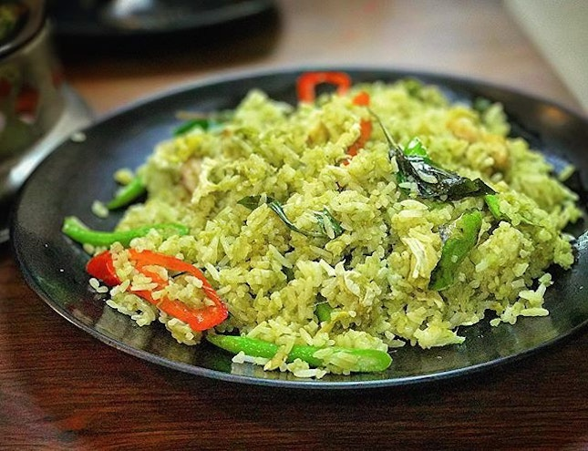 Best green curry fried rice this side of town.