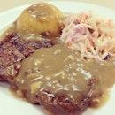 Grilled Ribeye With Mushroom Sauce