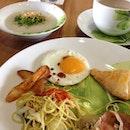 #breakfast #glowpratunam #bangkok #bkk #sunnysideup #porridge